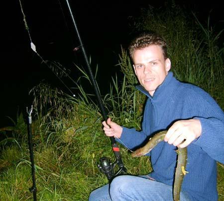 fluss-angeln-nacht-201107200135565.jpg